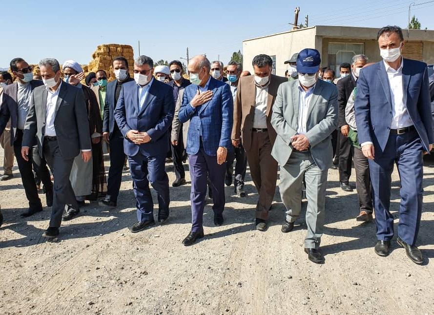 بازدید وزیر جهاد کشاورزی از مجتمع کشت و صنعت بیدمشک در شهرستان سربیشه