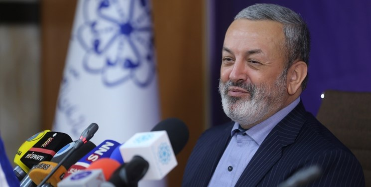 پیوستن ایران به جمع 5 کشور صاحب فناوری تجاری تولید لاین مرغ
