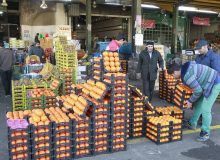 فاسد شدن ذخایر سیب و پرتقال به علت طمعکاری دلالان